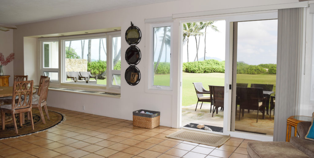 makai-vinyl-windows-and-sliding-door-living-room-kailua-home