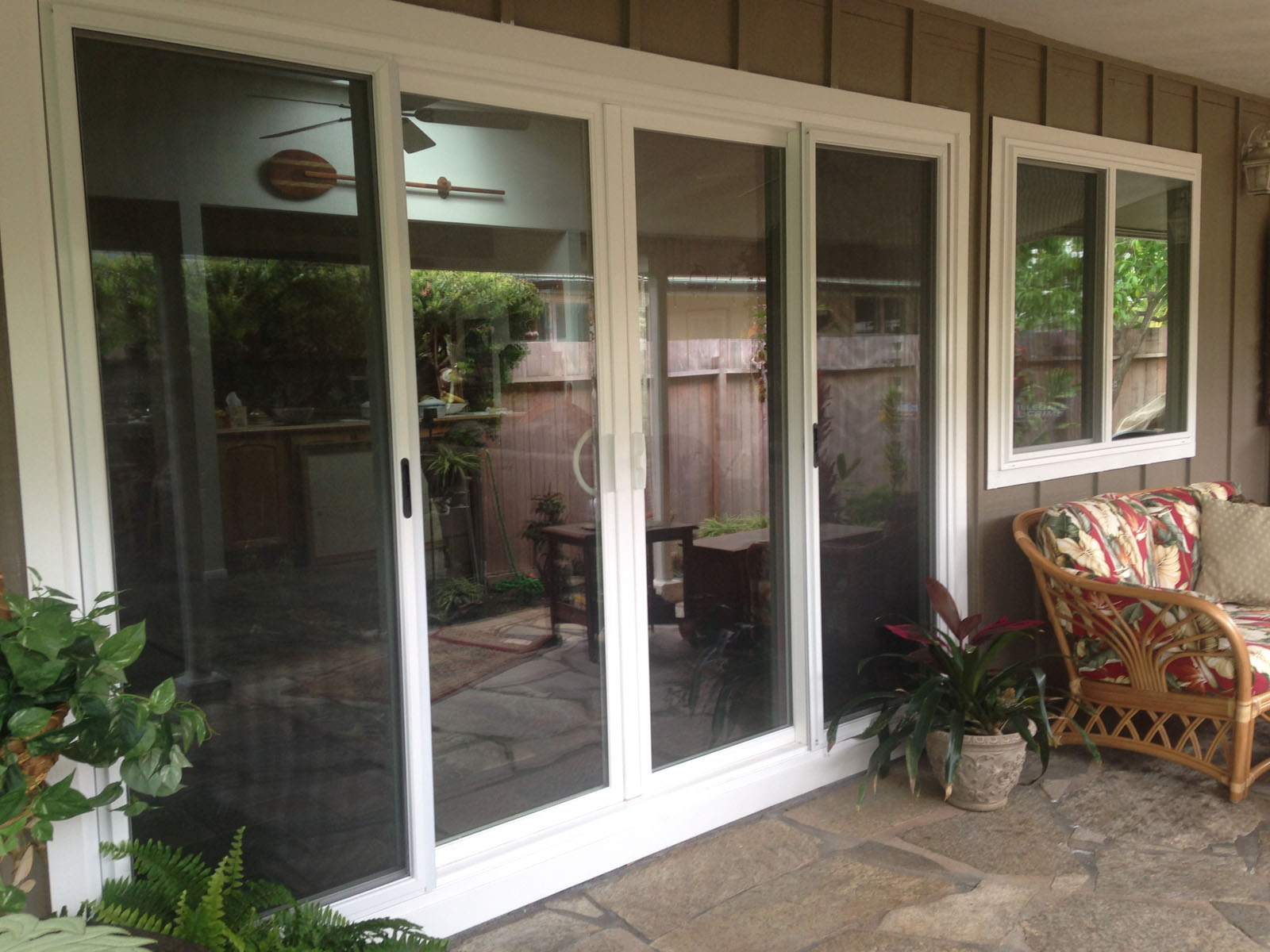 Vinyl sliding doors discount windows custom window for Cheap sliding glass doors